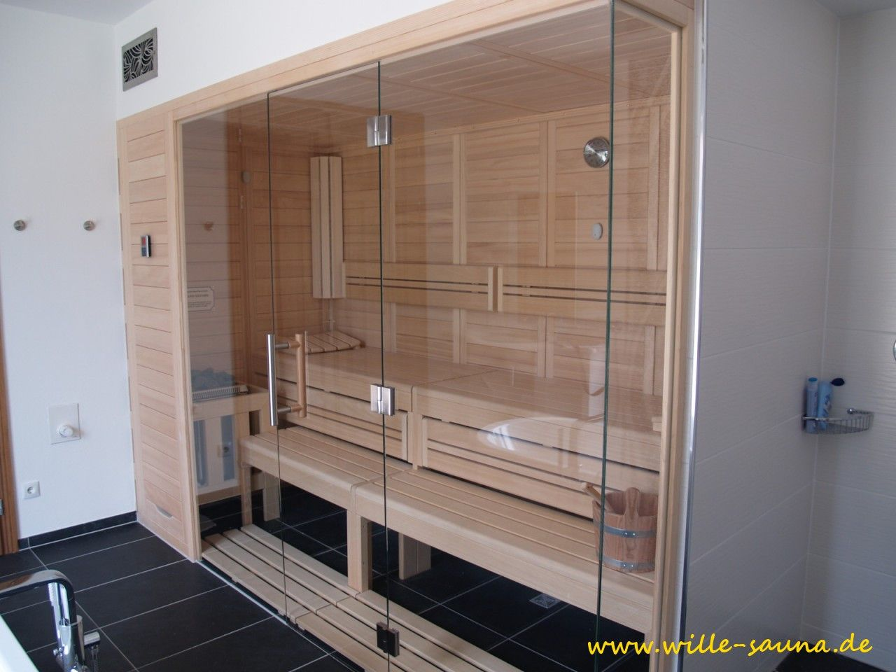 Sauna Glasfront | bathrooms | Pinterest | Saunas, Badezimmer und ...