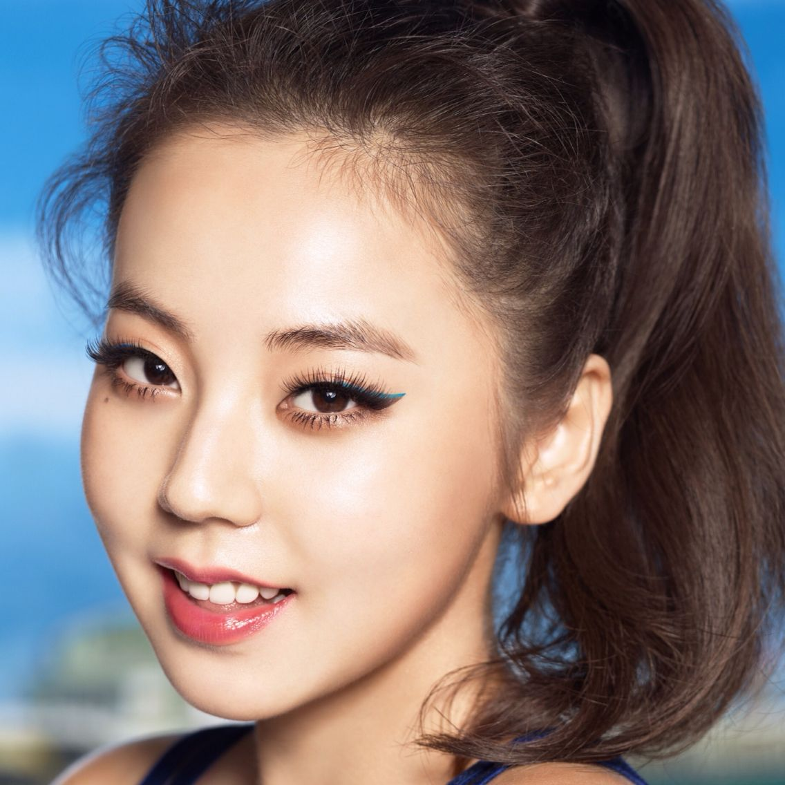 love this monolid makeup look on sohee! アイメイク 一重, 一重 メイク