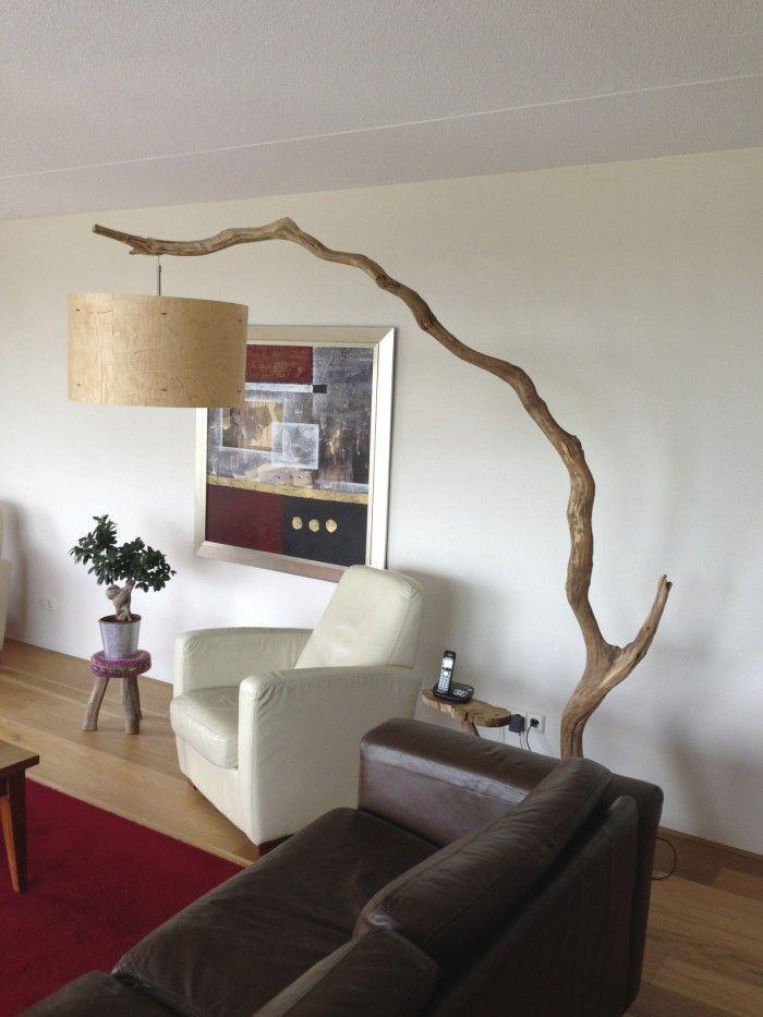 booglamp van verweerd oud eiken tak breng een bezoek aan onze