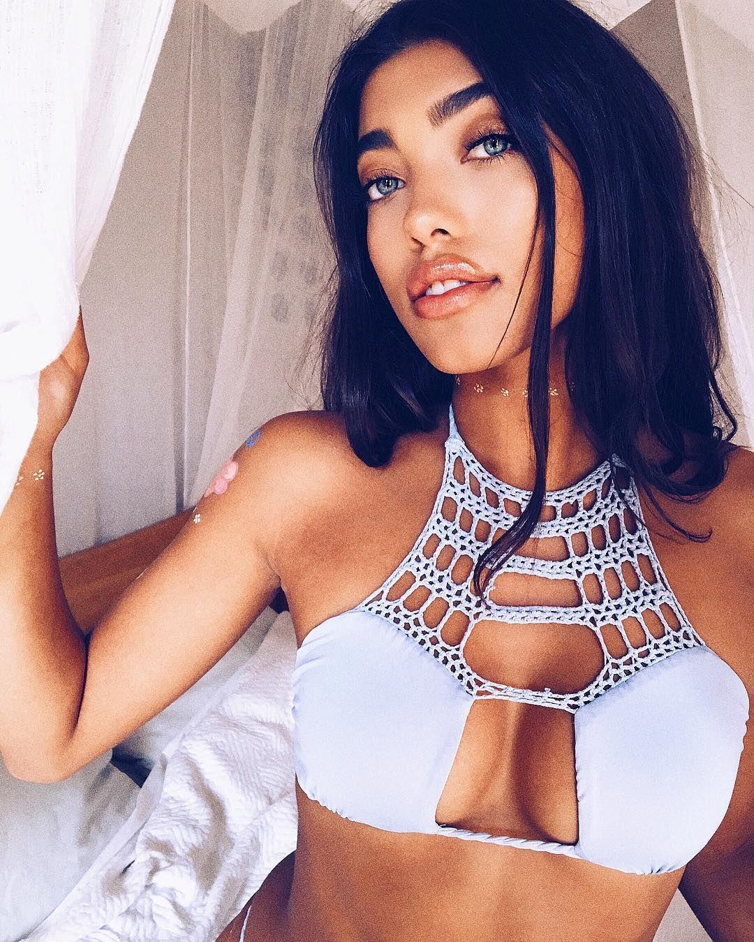 Beach videos bikini — img 1