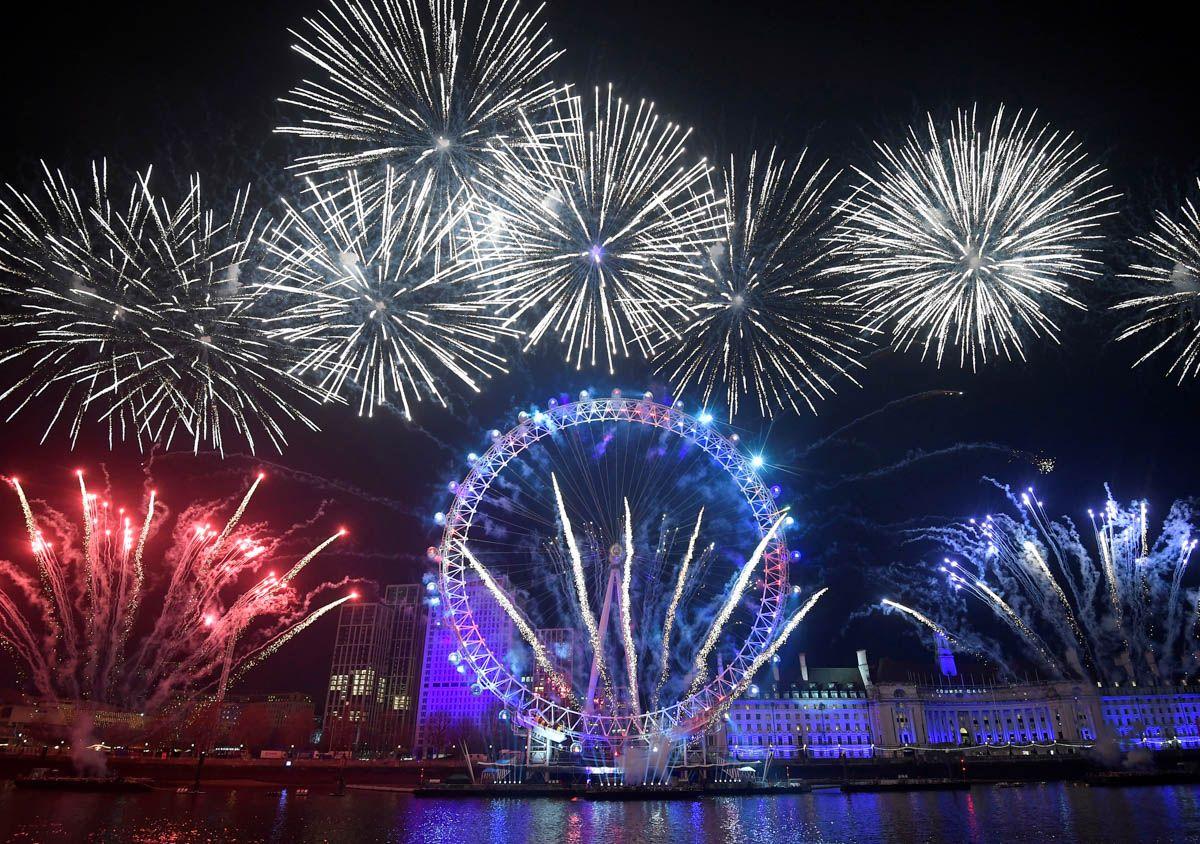 New Year 2020 Celebration Across World In 2020 Celebration Around The World London Fireworks New Year Fireworks