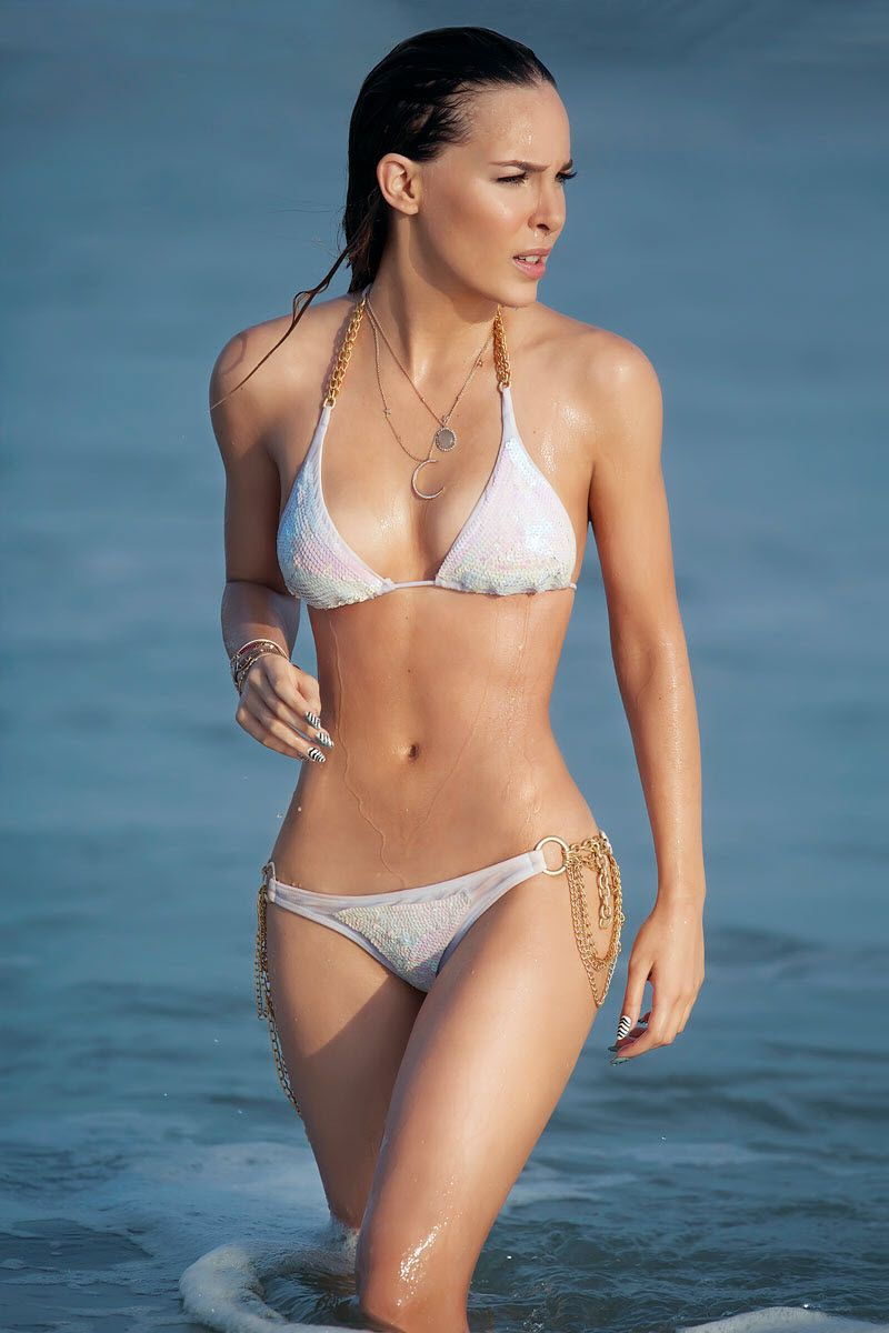 Belinda In Bikini - 67 Photos