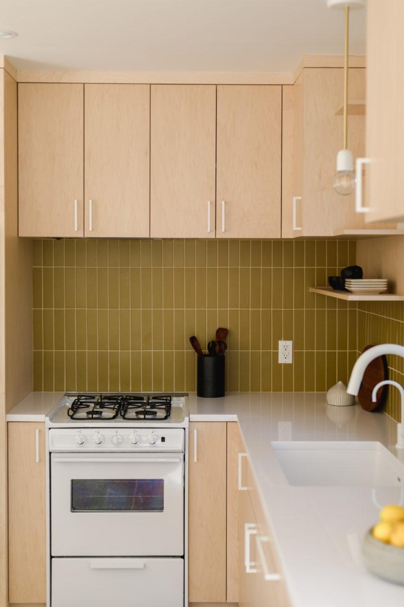 Alternatives To Mustard Subway Tiles Fireclay Tile Fireclay Tile In 2020 Modern Kitchen Tiles Fireclay Tile Mid Century Modern Kitchen