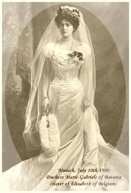 History Wedding Dress - Suite | Antique and Vintage ...
