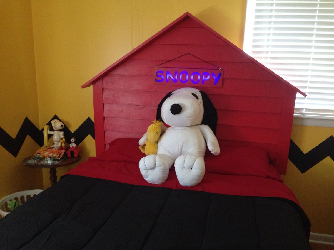 Snoopy Bedroom My Awesome Husband Painted This Room And Hand Made