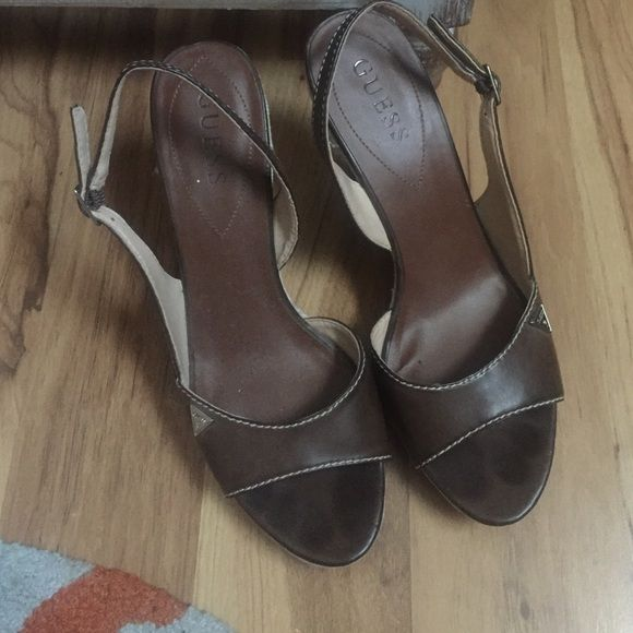 Guess wedges Leather guess wedges! So comfy! Perfect accent to a summer outfit. A few scuffs on the side burlap but easily can be cleaned. Never wear these so hopefully they find a good home. Guess Shoes Wedges