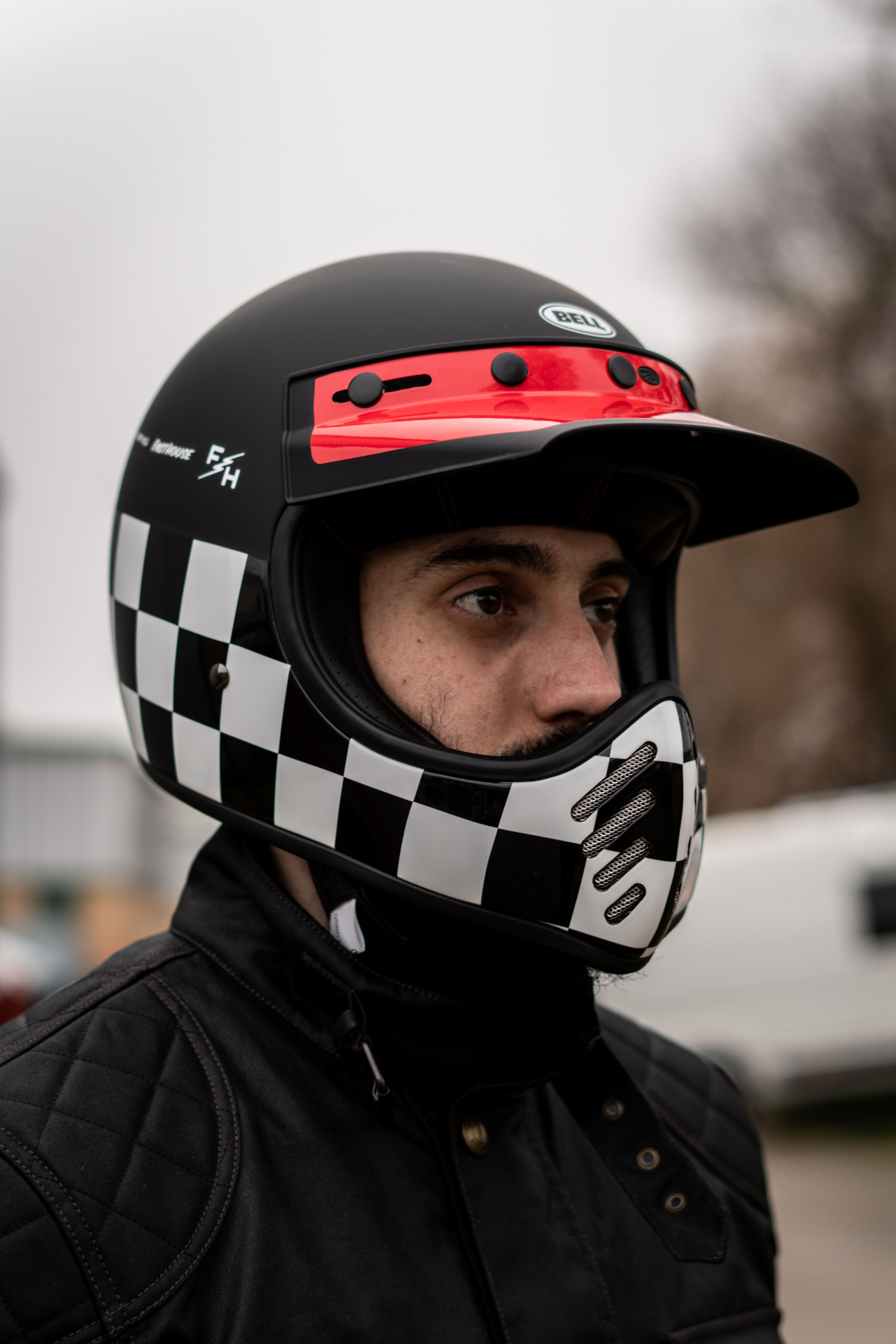 Bell Helmets Moto 3 Fasthouse Checkers In 2020 Motocross Helmets Retro Motorcycle Helmets Cafe Racer Style