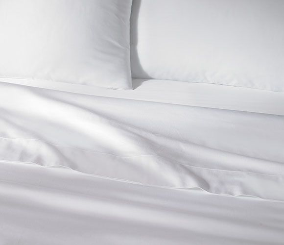 The Ritz Carlton Hotel Shop Classic White Sheet Set Luxury Hotel Bedding Linens And Home Decor White Sheet Set White Bedding Flat Sheets
