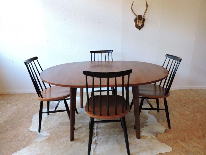 table danoise et chaises sudoises type tapiovaara - Chaises Suedoises