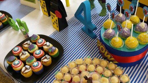Cupcakes e Cakepop Vingadores