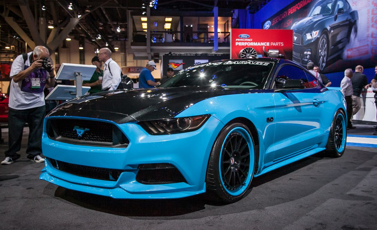 As we continue with the sema show onslaught here comes the ford mustang gt king edition named after the man himself richard petty