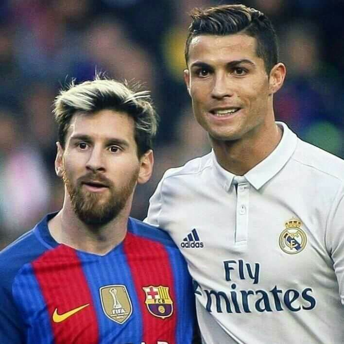 Cristiano Ronaldo Y Messi Cr7 Cristiano Ronaldo And Messi Ronaldo Football Cristiano Ronaldo