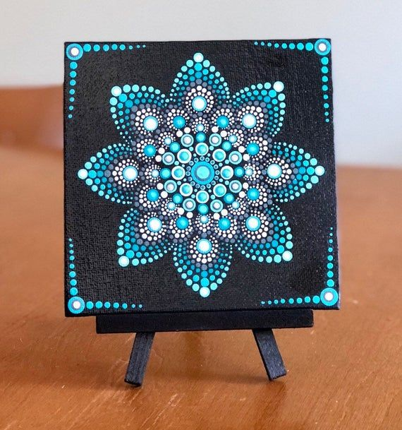 Lovely snowflake dot Mandala on 5x5 canvas blue, turquoise, white #steinebemalenvorlagen
