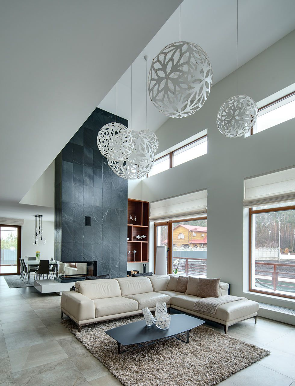 Spacious Home with a Warm Interior in Kiev #modernhousedesigninterior