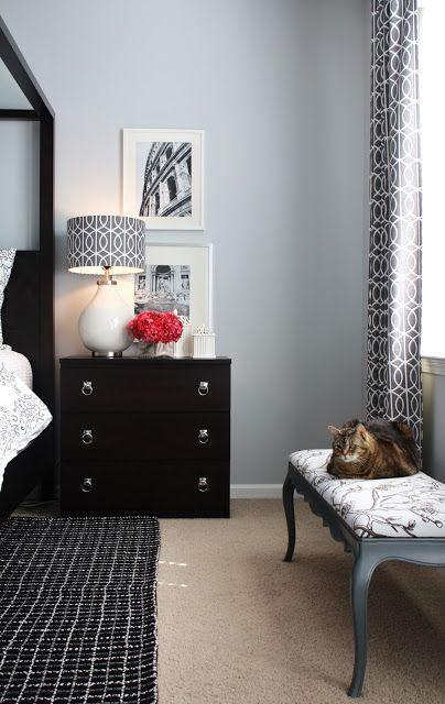 a client's master bedroom makeover - gestoffeerde bank, zwarte, Deco ideeën