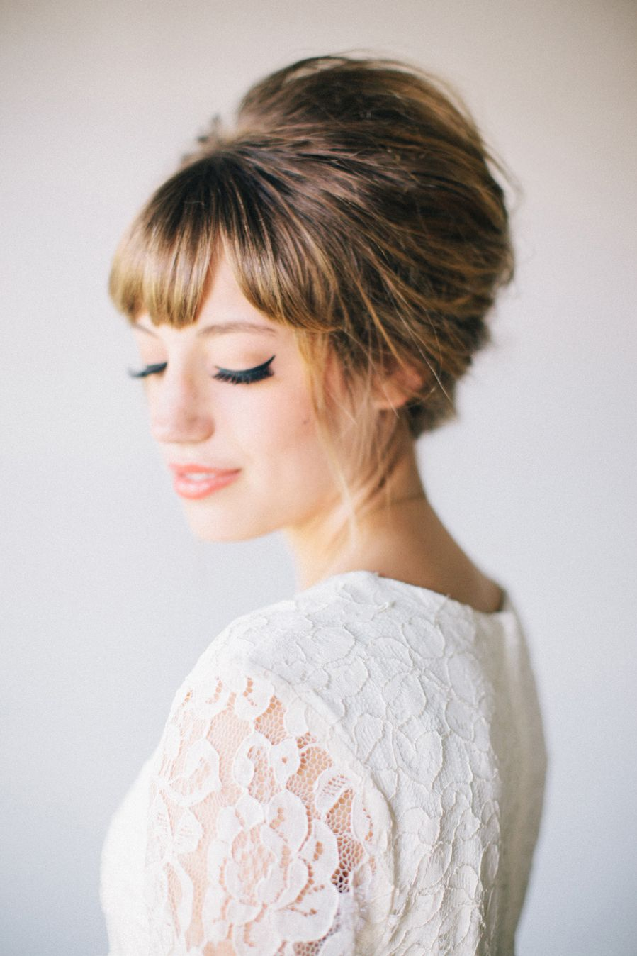 Fall hair trend bouffant blog eyeliner and bangs