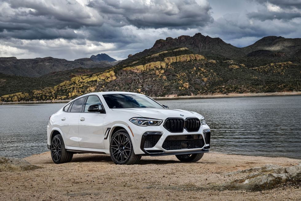 View Every Angle Of The 2020 Bmw X6 M In 2020 Bmw X6 Bmw Mercedes Amg