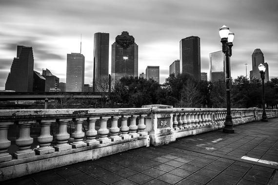 B W Houston Skyline Photo Sabine Street Bridge Houston Photography Black And White Houston S In 2020 Houston Skyline Mommy Me Photo Shoot Beach Canvas Art