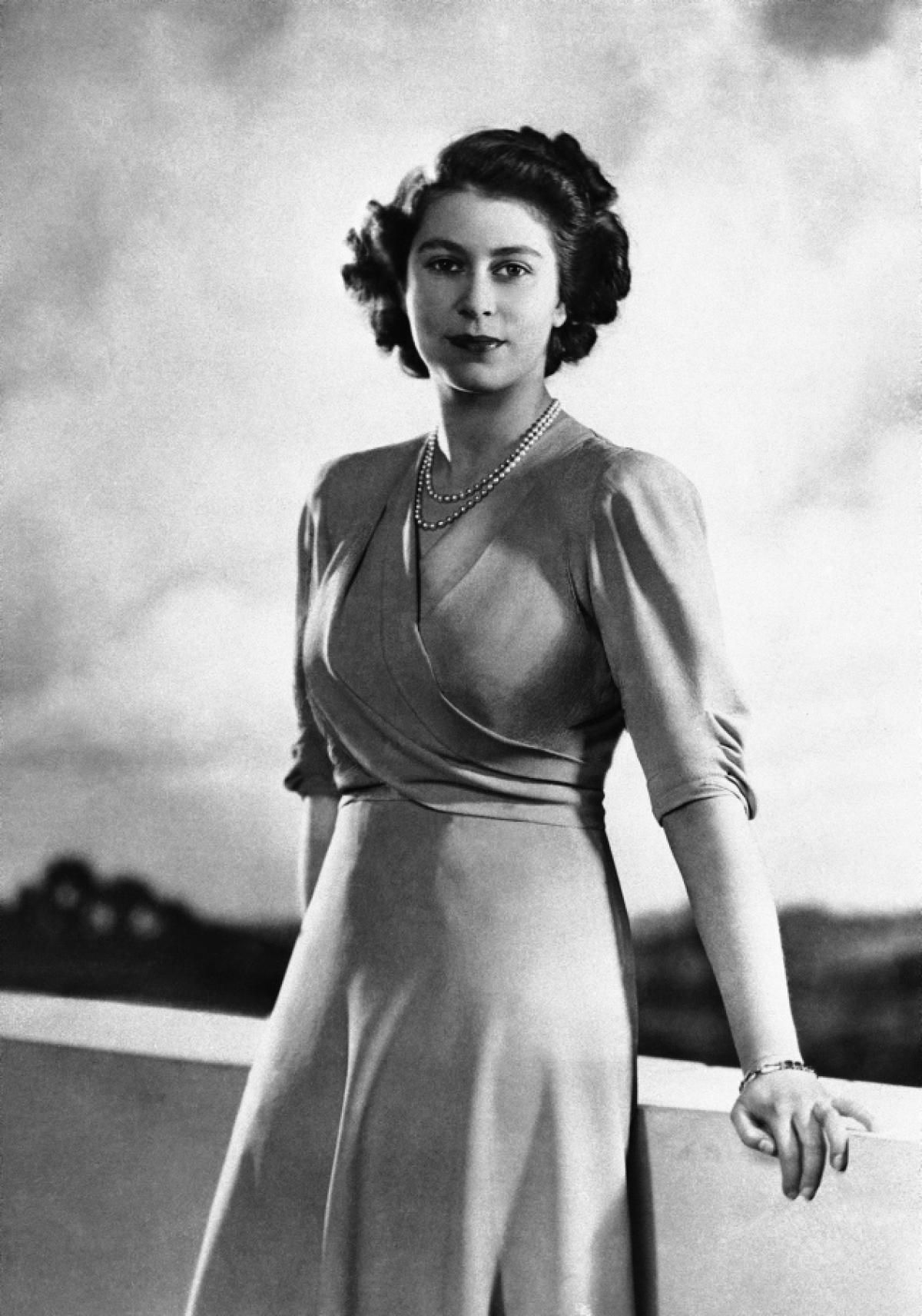 Queen Elizabeth II, 1946 Photos The life and reign of