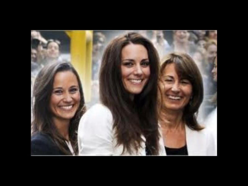 Kate with sister, Pippa and mother, Carole