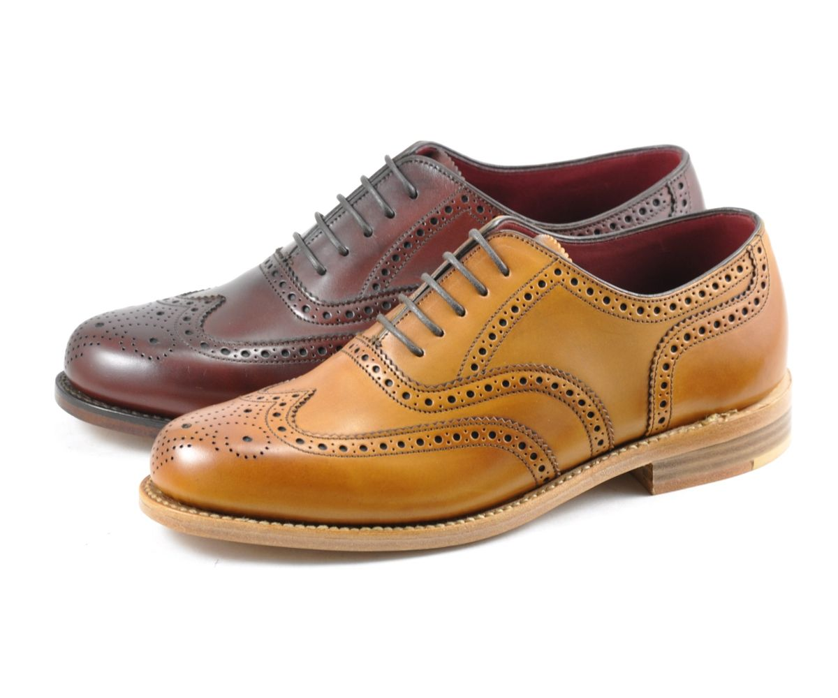 Ladies oxford brogue shoe, made from