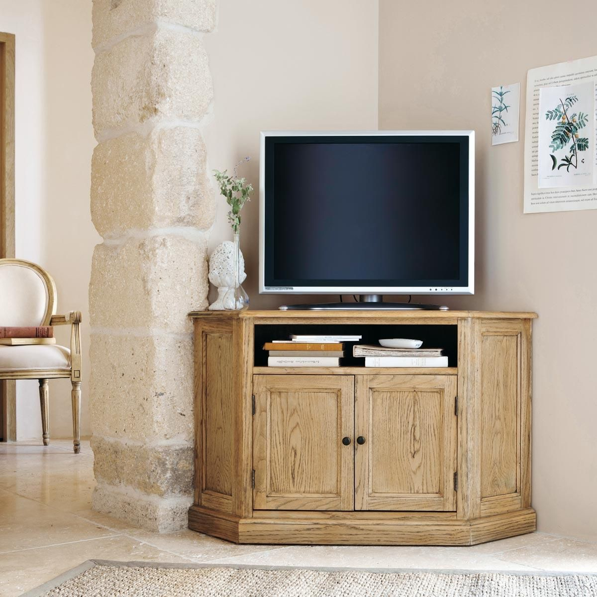 Mueble tv esquinero de madera de roble atelier centro de for Mueble esquinero para pc