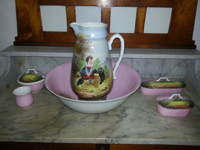 Toaletní sada * levandulový porcelán s ručně malovanými obrázky.