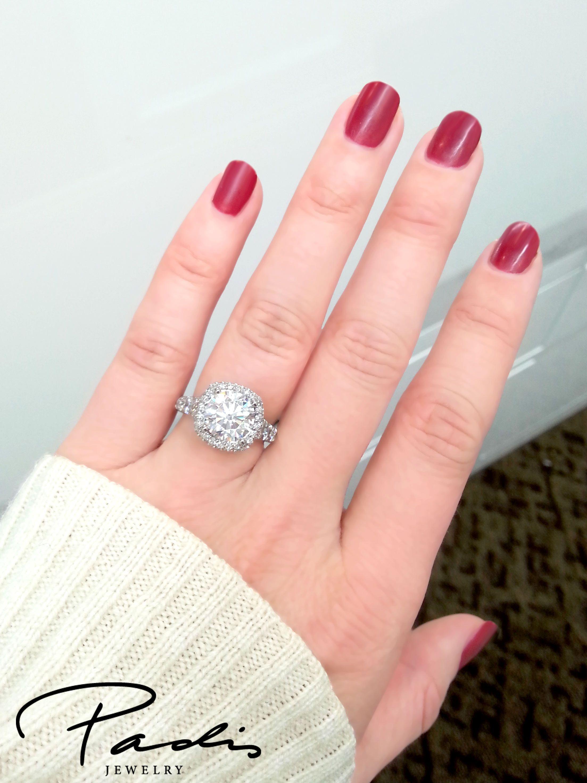Tacori RoyalT engagement ring. Yes please!! #halo #Tacori