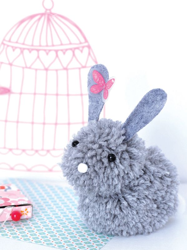 un lapin en pompons peluche lapin tr s facile et pompons. Black Bedroom Furniture Sets. Home Design Ideas