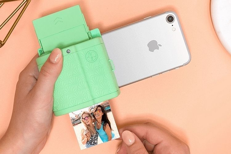 f42aa174f6e1e Prynt Pocket: This iPhone Camera Grip Doubles As An Instant Printer ...