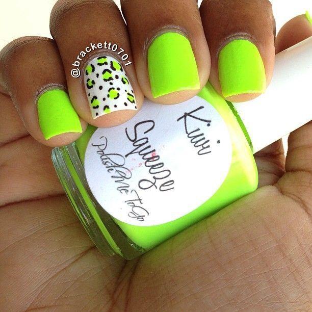 Uñas verdes con blanco - Green nails with white | uñas | Pinterest ...