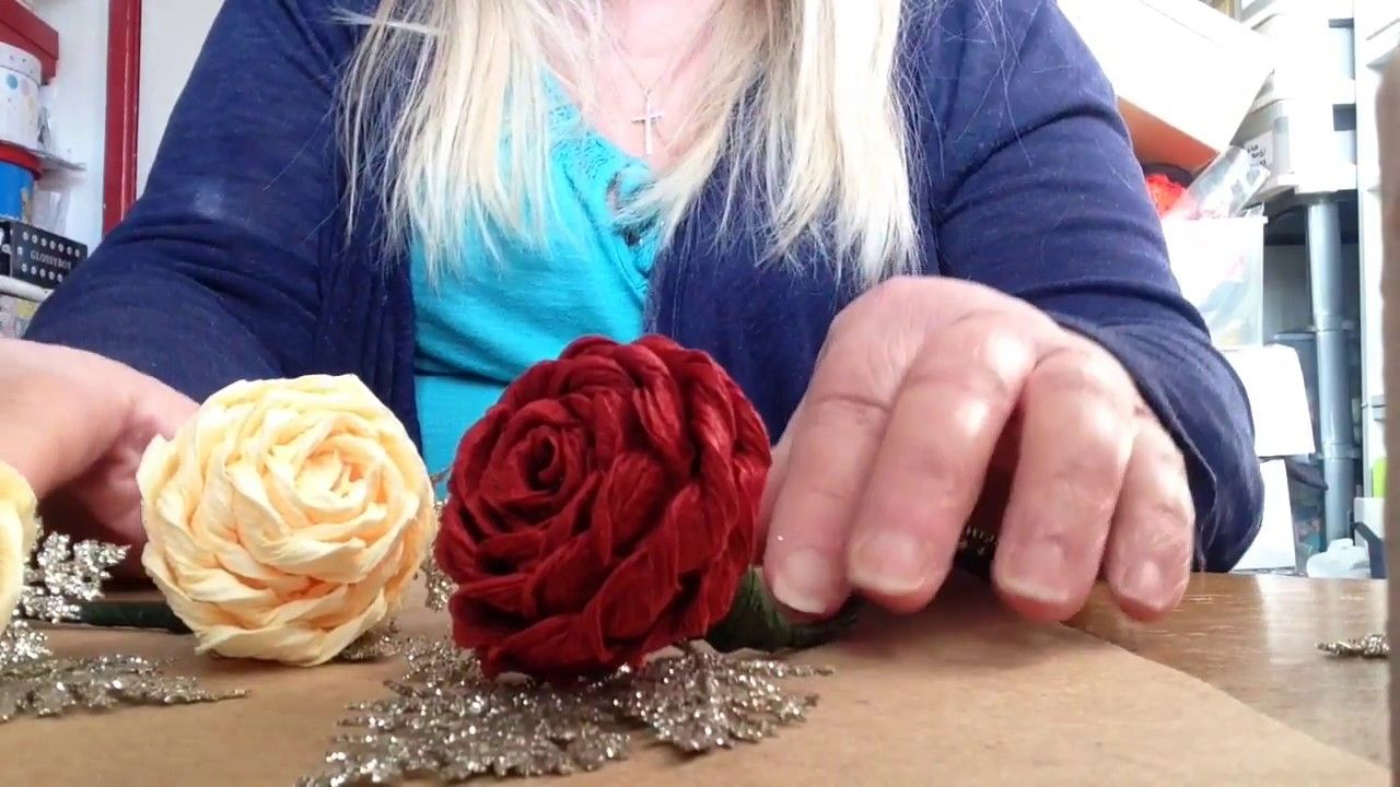 Rolled Italian Crepe Paper Rose Youtube Crepe Paper Flowers