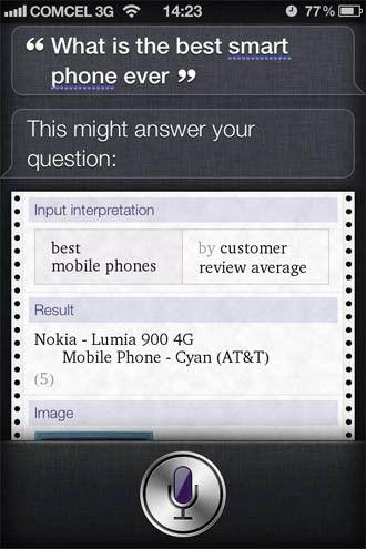 Siri dice que el mejor smartphone de la historia es… ¡el Lumia 900!