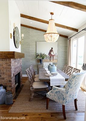 Thom Filicia Warm Memories in a Gorgeous Coastal-Like Dining Room