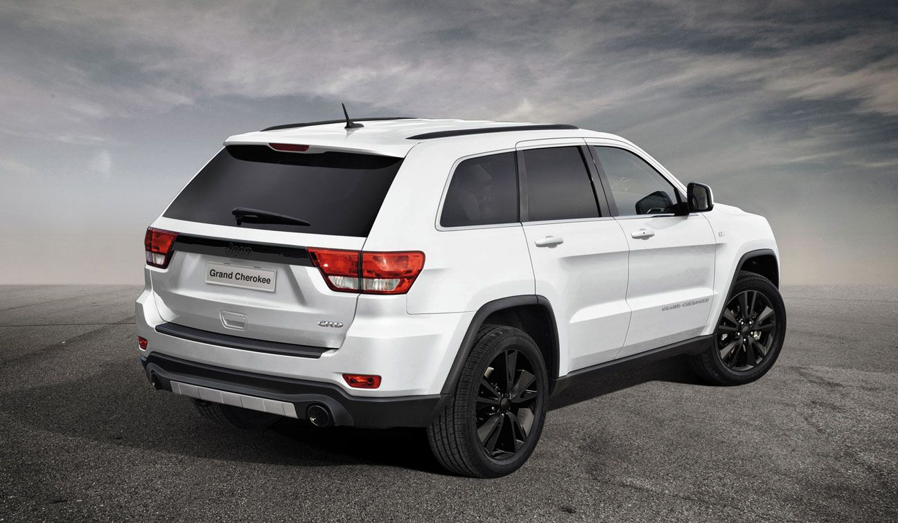 Grand Cherokee S Limited You Jeep Get In My Garage Jeep Grand Jeep Cherokee Sport Jeep Grand Cherokee Sport