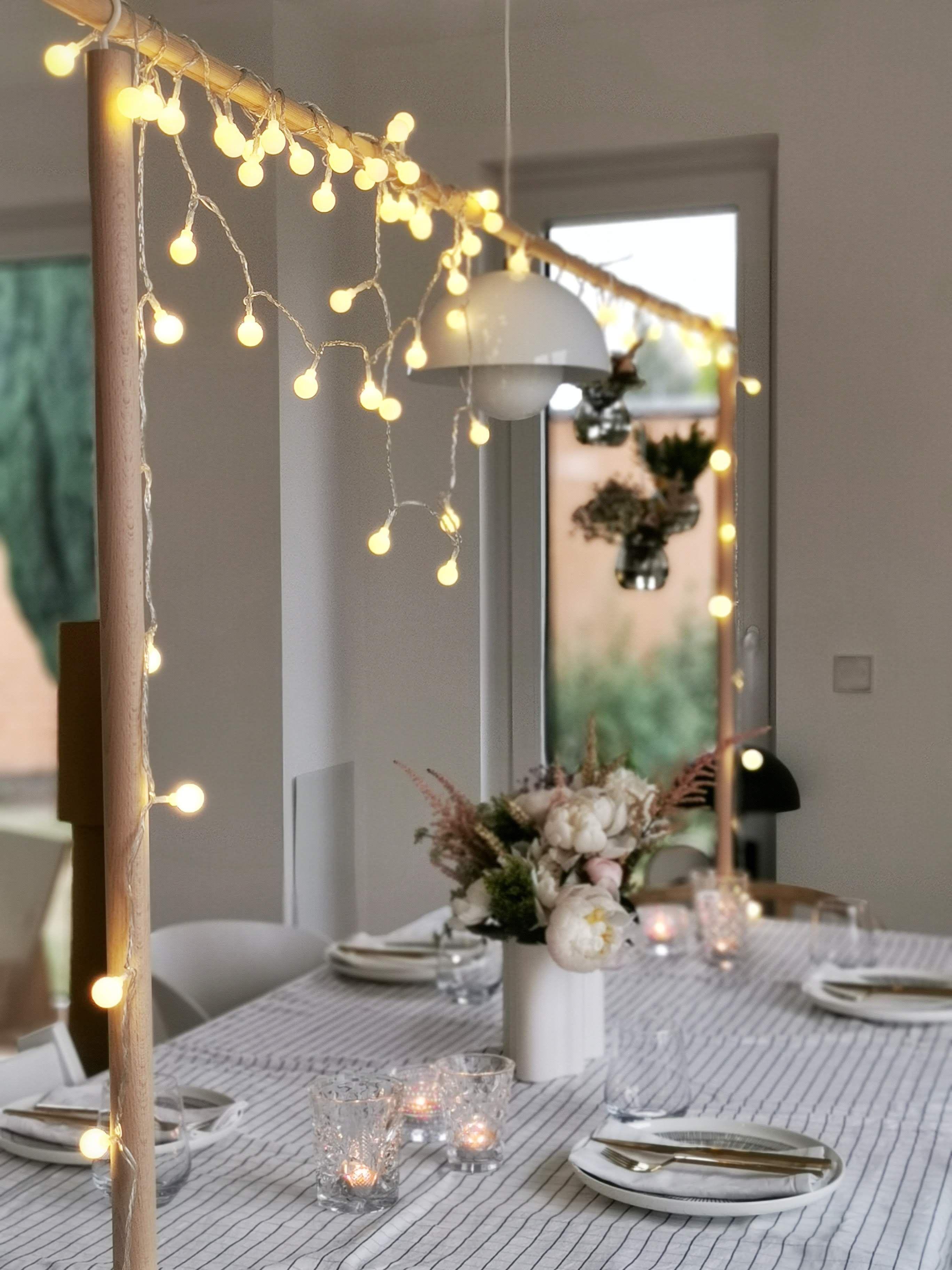 Diy Tafelklemme Fur Das Halten Hangender Deko Uber Dem Tisch Mammilade Com Deko Wohnung Weihnachten Wohnung Weihnachten Weihnachtsdekoration Wohnung