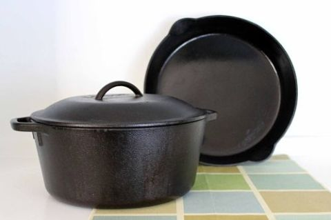 how to clean and season cast iron cookware kitchen tips pinterest. Black Bedroom Furniture Sets. Home Design Ideas