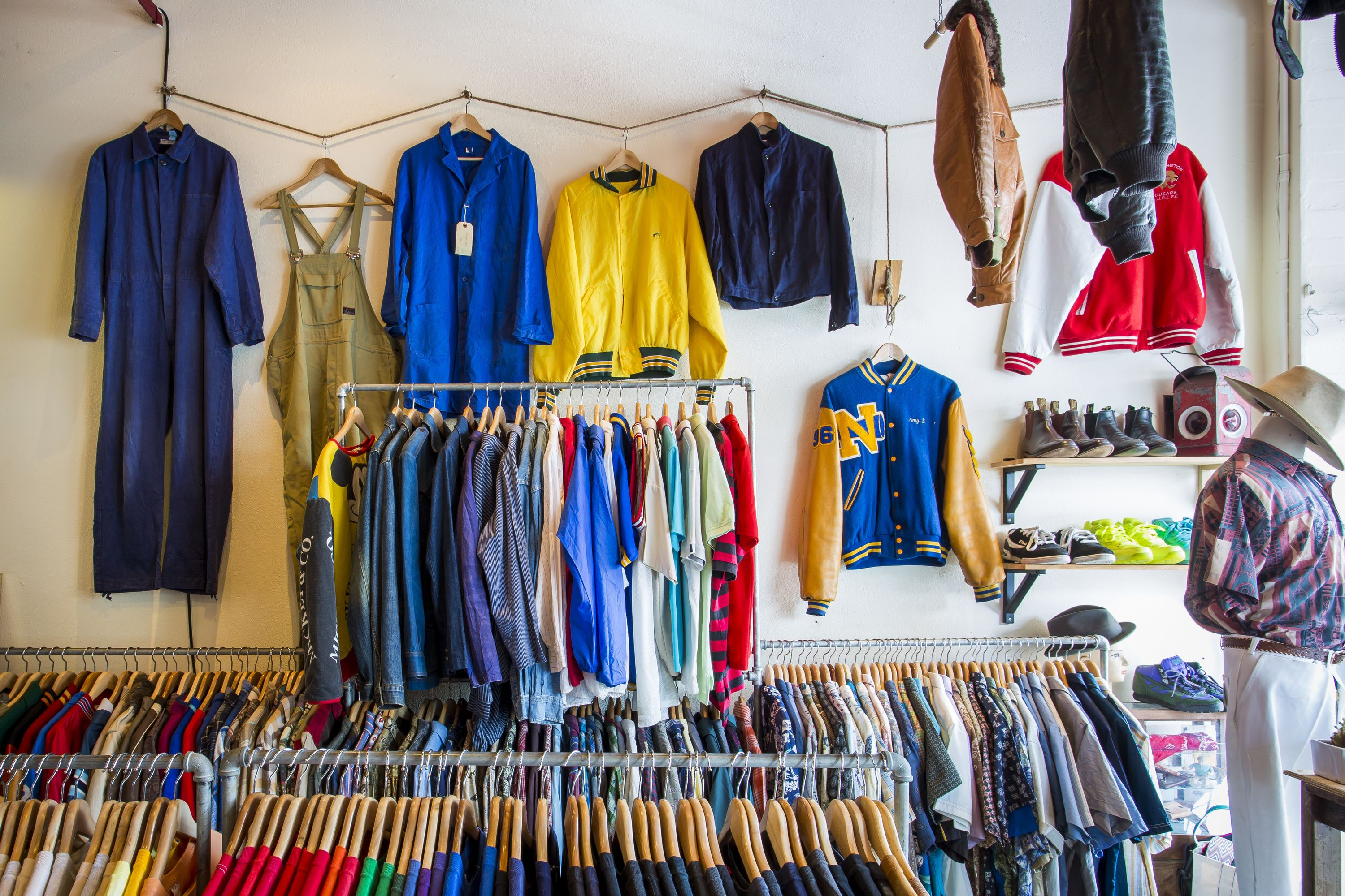 The Best Vintage Shops In Sydney Vintage Clothes Shop Shopping Outfit Vintage Clothing Stores