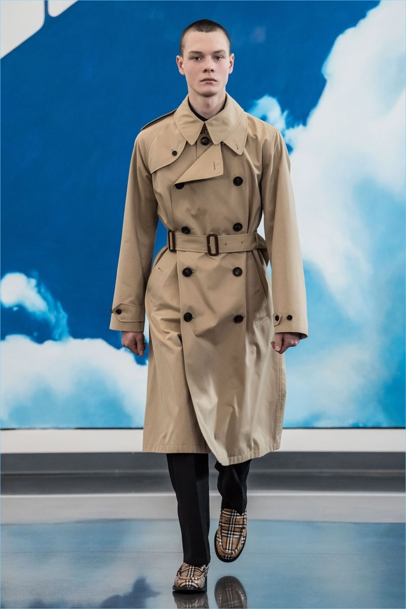 25052ae1a24f Gosha Rubchinskiy unveils a trench coat from its fall-winter 2018  collaboration with Burberry.