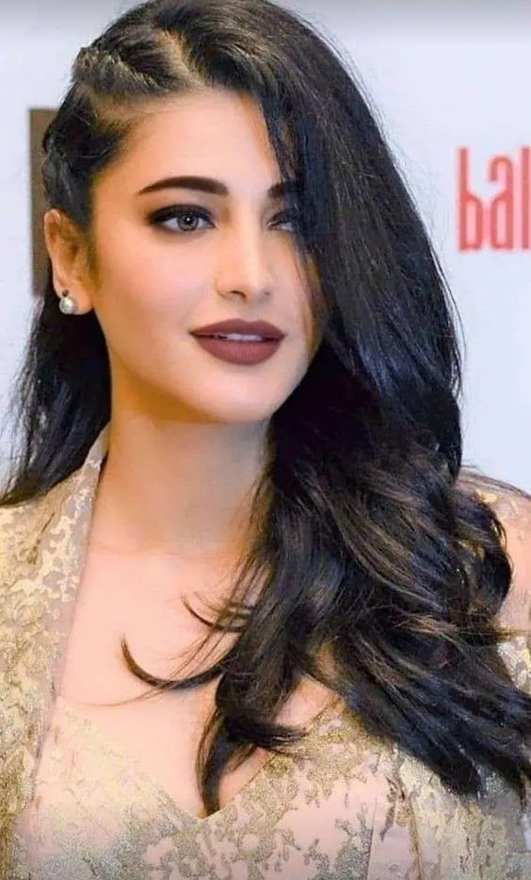 Pin By Moulay Lalaoui On Moulaylalaoui Oran 31000 Bollywood Hairstyles Beauty Indian Hairstyles