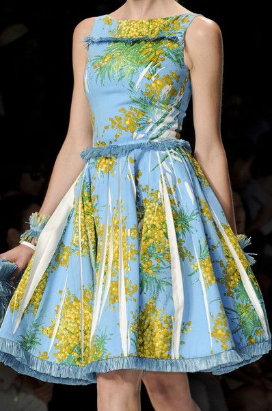 Blumarine Spring 2012 - Details