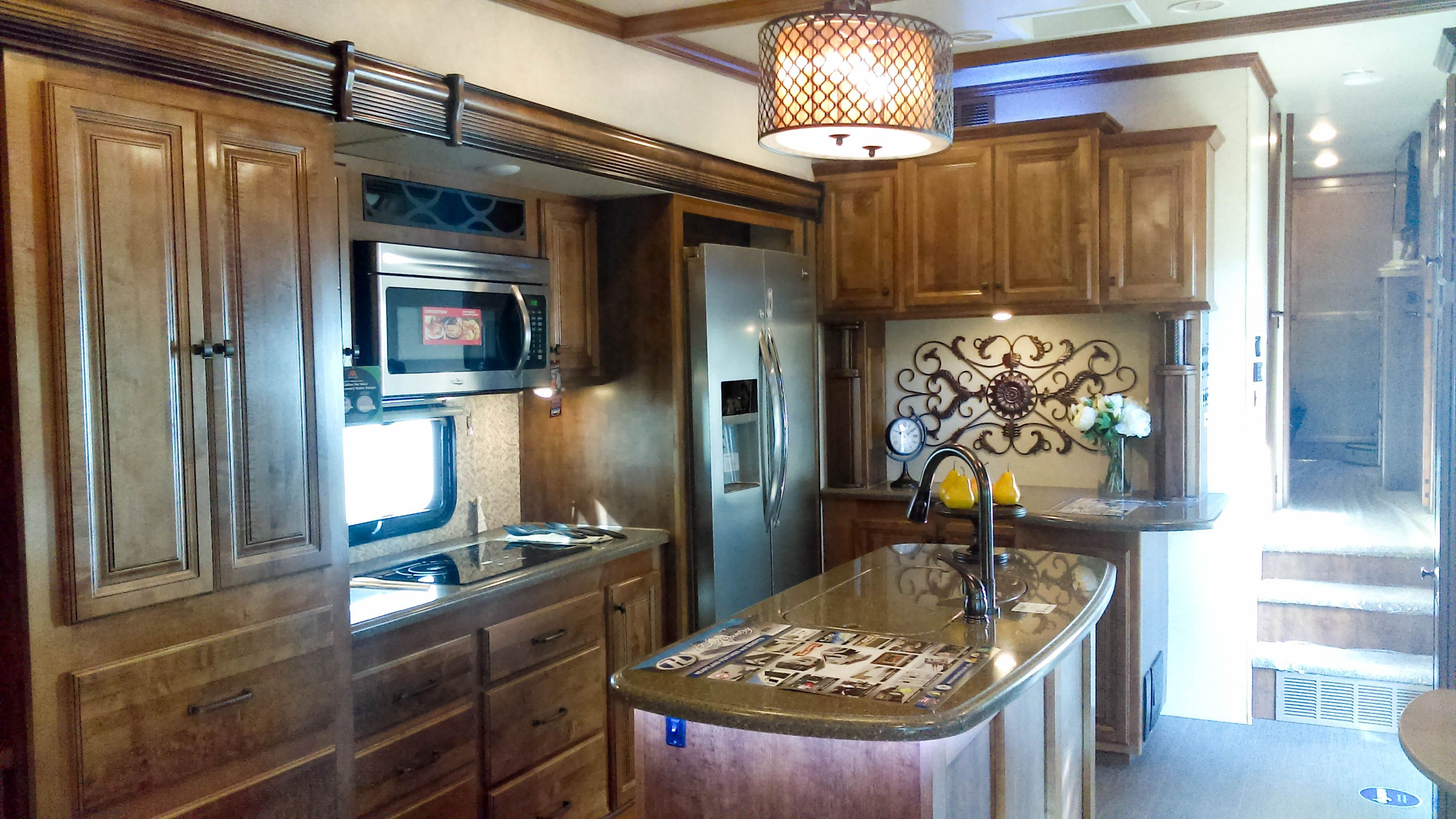 A Glimpse Of The 2016 Big Country 3650rl Where Price Practicality And Features Intersect Myheartland Bigcountry Gallery Ht Big Country Home Design