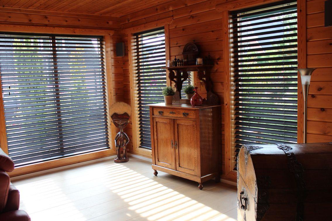 Houten Woning Ideeen : Eind resultaat houten woning gekozen voor jaloezieën. @mbonouvrie