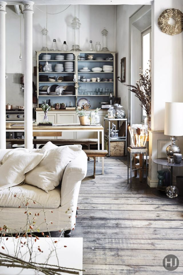 You may think this is a home in Scandinavian town but no, it is in Bologna.  It is actually the home of a flower decorator and a fashion manager and  their ...