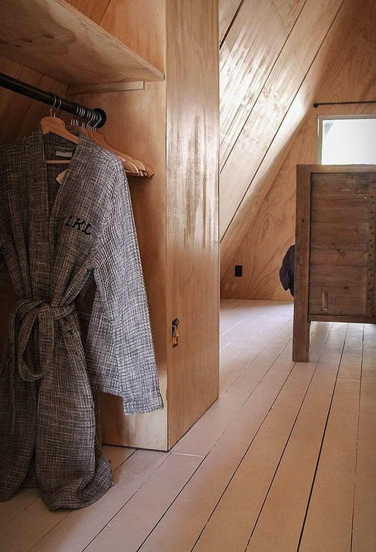 holzverkleidung innenraum moderne finnhütte garderobe schlafzimmer ...