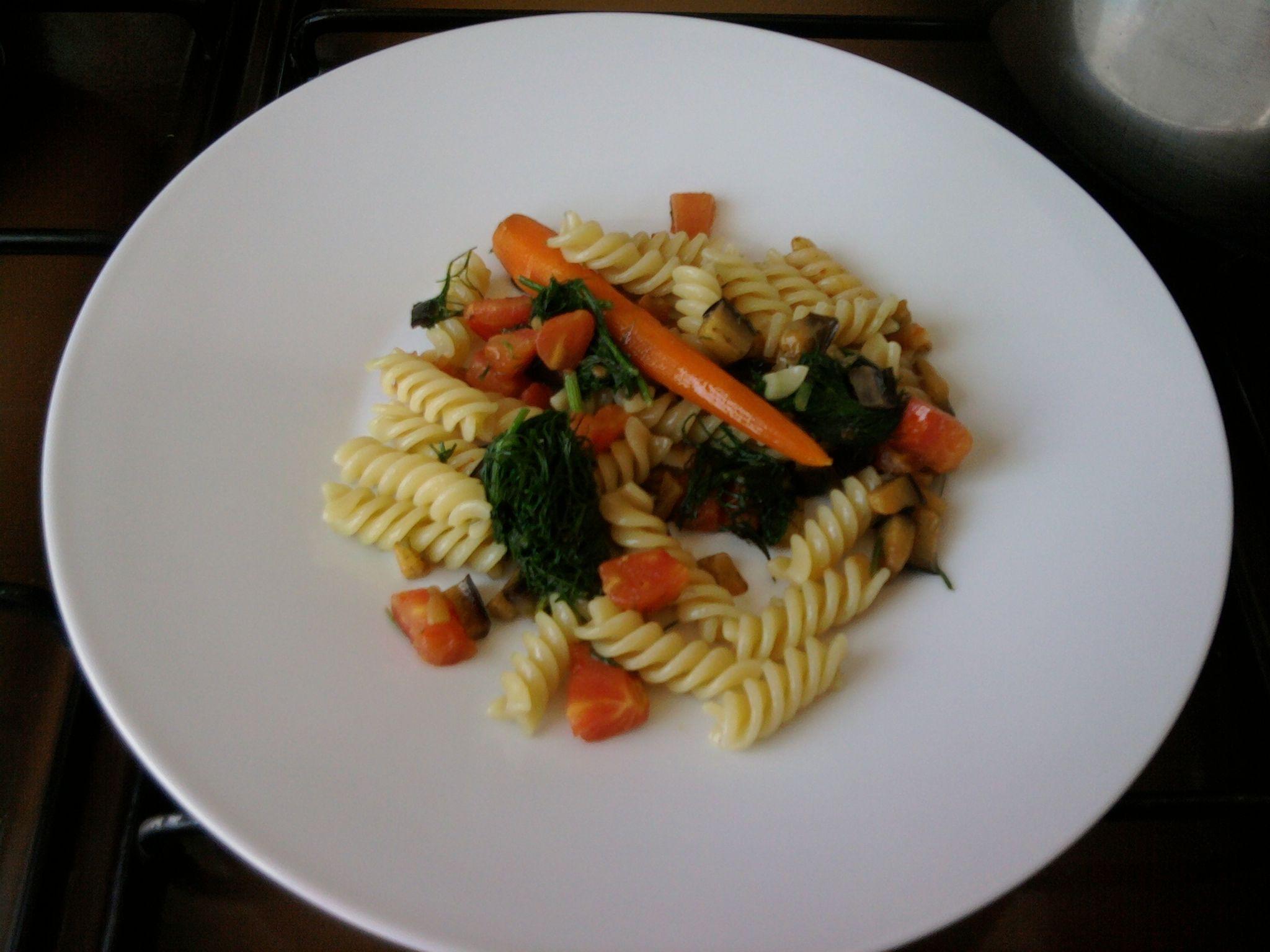 Fusilli et  quelques lègumes''( carotte , tomate  aubergines dès ,fenouil sauvatique )'' Gino D'Aquino