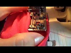 Завершение плоского шва на распошивалке или коверлоке - YouTube