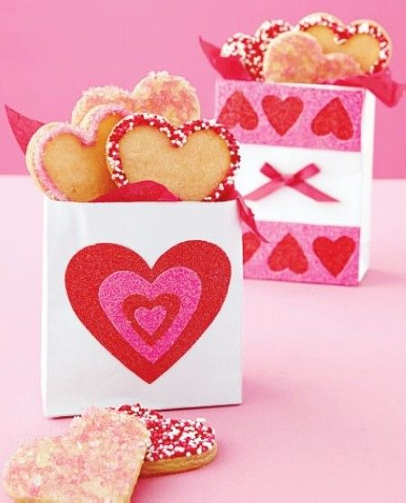 diy valentineu0027s day edible favors valentine gift bags heart valentine gift bag ideas