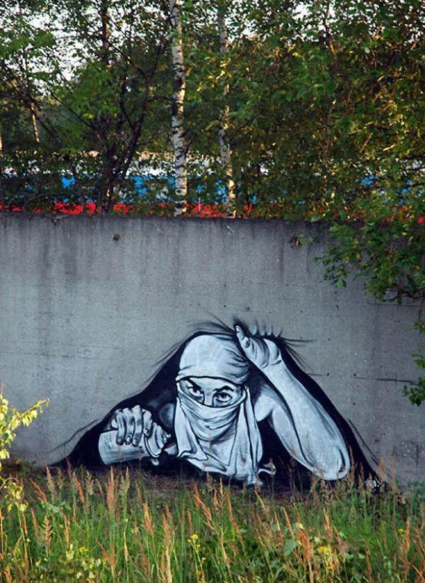 Редактор AdMe.ru Ксения Лукичева познакомилась и поговорила с известным уличным художником, одной из самых заметных медийных фигур стрит-арта Павлом P183.