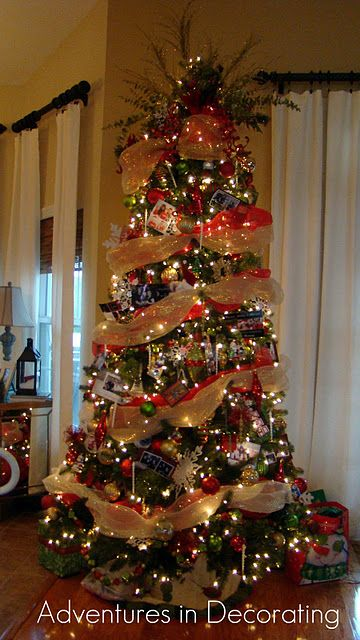 Another Christmas Tree Idea Like The Full Tulle Type Gold Garland Mesh Christmas Tree Christmas Tree Decorations Christmas Deco